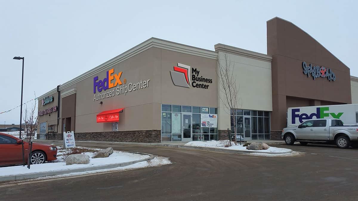 Williston-Retail-Center-001